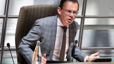Tracing: la commission Bien-être du parlement flamand va auditionner le ministre Wouter Beke