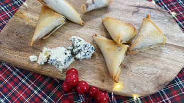 Samosas au bleu d'Auvergne AOP, pruneaux et bacon fumé