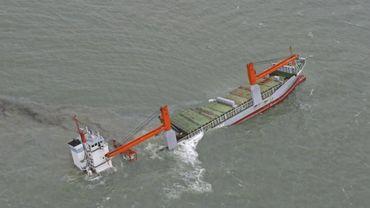 Collision navale au large de Zeebrugge: les opérations de pompage vont reprendre