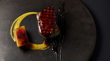Foie gras fumé, mangue, réduction de fond de veau et vinaigre balsamique de Keita Kitamura, restaurant ERH