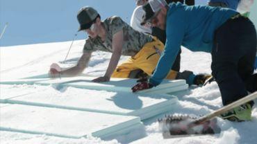"""Courchevel s'essaye au """"snowfarming"""" pour conserver de la neige en vue de l'hiver prochain"""