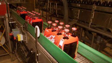 Coca-Cola European Partners a annoncé mercredi son intention de fermer en 2020 deux de ses cinq sites de distribution, à savoir Hasselt et Heppignies.