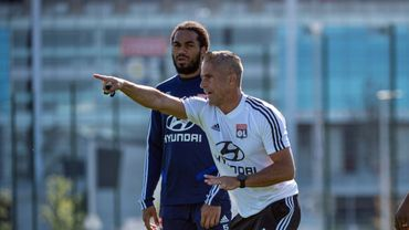 "Sylvinho: ""Denayer a un leadership naturel"""
