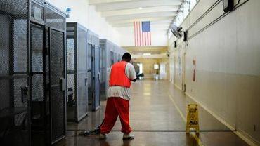 Un prisonnier dans la prison de Chino, en Californie