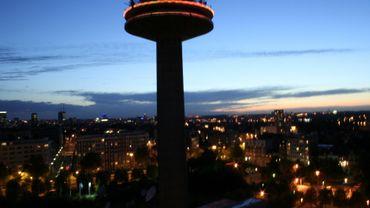 La tour Reyers by night