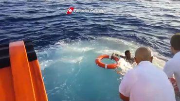Un total de 143 migrants, survivants du naufrage survenu vendredi après-midi au sud de Malte et de l'île italienne de Lampedusa, sont arrivés samedi matin à la Valette