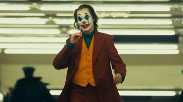 """""""Joker"""", la dernière adaptation hollywoodienne issue de l'univers des comics, cumule des recettes s'élevant à 93,5 millions de dollars aux États-Unis et à 140,5 millions de dollars internationalement, selon ComScore, le week-end du 6 octobre."""