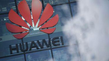 """Le ministre américain de la Défense a prévenu samedi les Européens qu'en autorisant l'équipementier télécoms chinois Huawei à construire les réseaux 5G ils risquaient de """"menacer"""" l'Otan"""