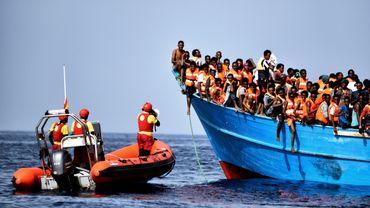 Nouveau naufrage en Méditerranée, des dizaines de migrants pourraient avoir péri