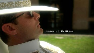 "Jude Law dans la série ""The Young Pope"""
