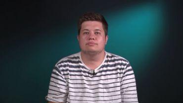 Maxence Roelstraete, homme transgenre de 29 ans, témoigne de son vécu dans les services de soin de santé