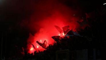 """Des fans du Standard """"infiltrés"""" à Charleroi, c'était un canular"""
