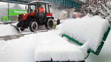 Une épaisse couche de neige a recouvert Moscou