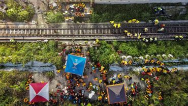 Taïwan: l'employé à l'origine de la catastrophe ferroviaire s'excuse, en pleurs