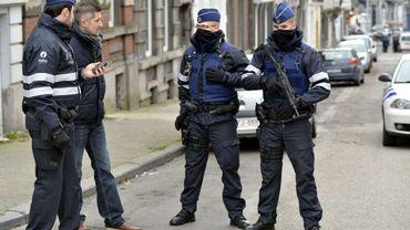 Pourquoi les policiers sont en niveau 2 d'alerte terroriste, alors que toute la Belgique est en niveau 3 ?