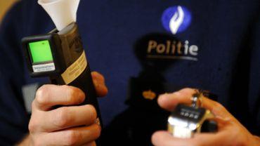 La police contrôle 60 bus, surtout d'enfants, à Gand: deux chauffeurs avaient trop bu
