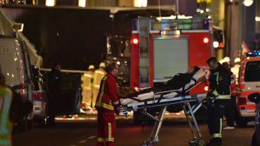 """Camion qui fonce dans la foule à Berlin: """"Pas d'indice d'une autre menace"""""""