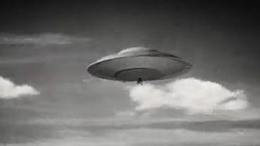 """Les soucoupes volantes sont également populaires au cinéma - """"Les Soucoupes volantes attaquent"""", 1956"""