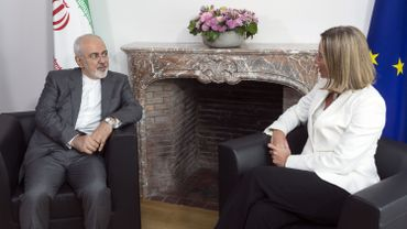 Le chef de la diplomatie iranienne Mohammad Zarif et la cheffe de la diplomatie européenne Federica Mogherini à Bruxelles