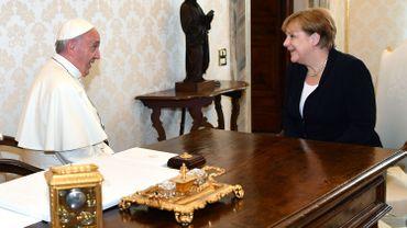Le pape et Angela Merkel discutent environnement et terrorisme