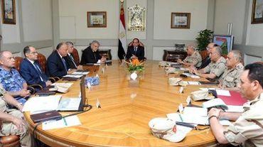 Conseil de défense présidé par Abdel Fattah al-Sisi le 24 octobre 2014 à Sheikh Zuweid, dans le nord du Sinaï