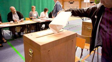 Pour glisser un bulletin dans l'urne le 14 octobre, les étrangers de Belgique doivent s'inscrire avant le 31 juillet.