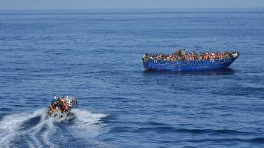 Des cadavres en décomposition retrouvés sur des bateaux à la dérive au large du Japon