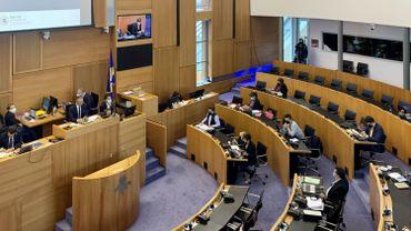 Parlement bruxellois: les acteurs de terrains auditionnés en commission Covid