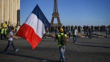 Gilets jaunes: le grand débat s'arrête, la mobilisation continue
