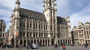 La Grand-Place de Bruxelles se muera en supporter de la Belgique