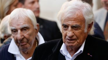 Charles Gérard et Jean-Paul Belmondo aux obsèques de Jean Rochefort