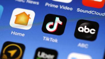 """La directrice générale américaine de TikTok, Vanessa Pappas, avait répondu à M. Trump samedi en déclarant que le réseau social """"n'ira nulle part""""."""