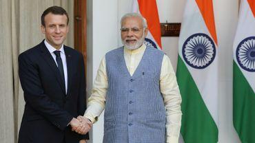 Le président Emmanuel Macron et le Premier ministre indien Narendra Modi (d), le 10 mars 2018 à New Delhi
