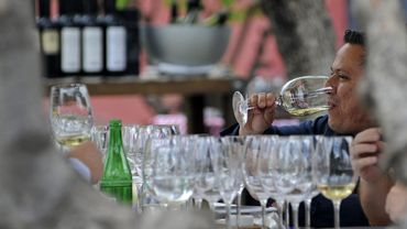 Malgré la fermeture des restaurants, des hôtels, le marché national a bondi de 8,2% entre janvier et septembre, selon l'Institut national de la viticulture.