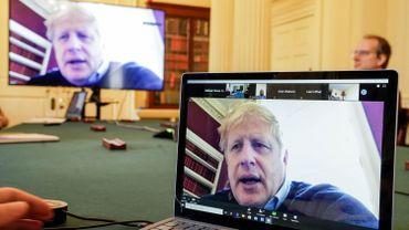Boris Johnson en vidéo-conférence (photo prise au 10, Downing street), le 28 mars