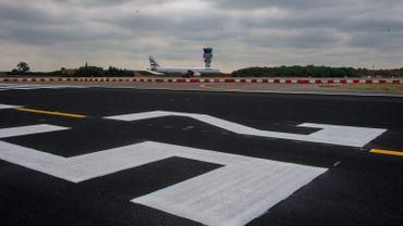 L'entreprise demande par ailleurs aux obligataires de renoncer à certaines obligations de l'aéroport.