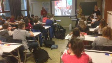 Des étudiants attentifs à Marcinelle