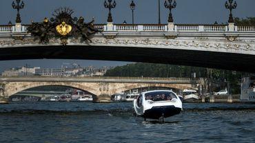 """Des essais des Sea Bubbles, ces """"taxis volants"""" sur l'eau, vont reprendre ce lundi à Paris."""