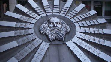 Tableau périodique des éléments de Mendeleïev