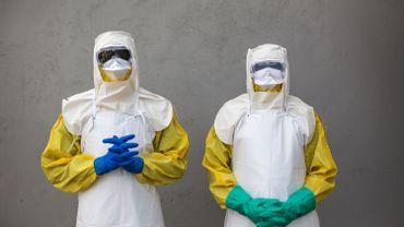 """""""Le taux de mortalité pour les personnes atteintes de la maladie à virus Ebola, sans traitement, est très élevée"""" : plus de 60%."""