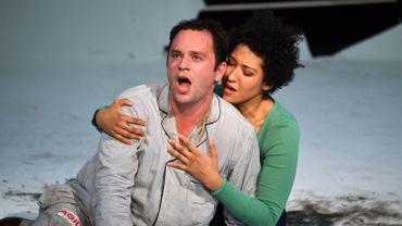 """Paul Appleby et Julia Bullock dans """"The Rake's Progress"""""""