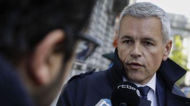 """Sur proposition de son ministre de l'Energie Christophe Lacroix (PS), le gouvernement wallon a adopté mardi """"une solution pour gérer la bulle des certificats verts"""""""