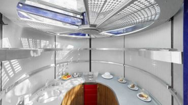 La cuisine aménagée de Richard Rogers dans la maison de Jean Prouvé à la Villa La Coste