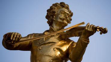 Statue de Johann Strauss par Edmund Hellmer, à Vienne