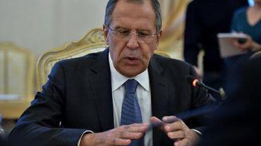 Le ministre russe des Affaires étrangères lors d'une réunion avec son homologue hongrois à Moscou le 19 novembre 2014