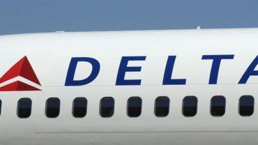 Cette décision de la compagnie aérienne américaine Delta intervient après que sa concurrente United Airlines a expulsé la semaine dernière de manière très musclée un passager muni d'un ticket sur un vol intérieur américain