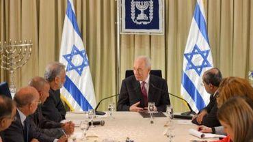 Le président israélien Shimon Pérès lors de ses consultations pour former le prochain gouvernement, le 31 janvier 2013 à Jérusalem