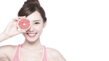 Le pamplemousse, riche en vitamine E