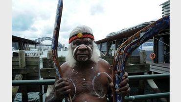 Un aborigène sur le port de Sydney