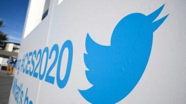 Le logo de Twitter sur une pancarte au salon de l'électronique grand public de Las Vegas (CES), le 5 janvier 2020